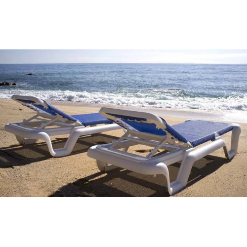 LOLA Sunlounger by Baillou - White structure and grey seat
