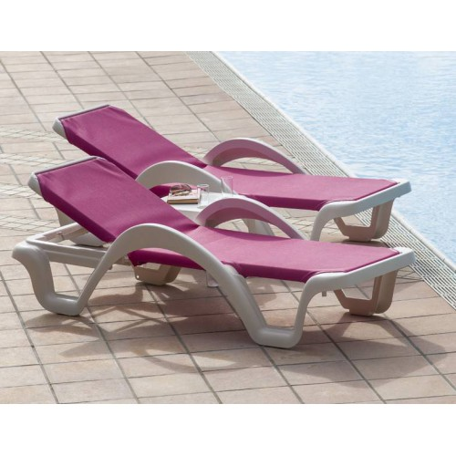 CARMEN Sunlounger by Baillou - White structure and pink blue seat
