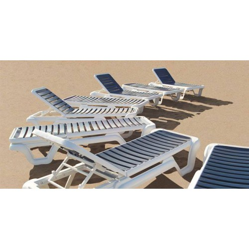 LOLA T Sunlounger by Balliu - White structure and dark blue seat