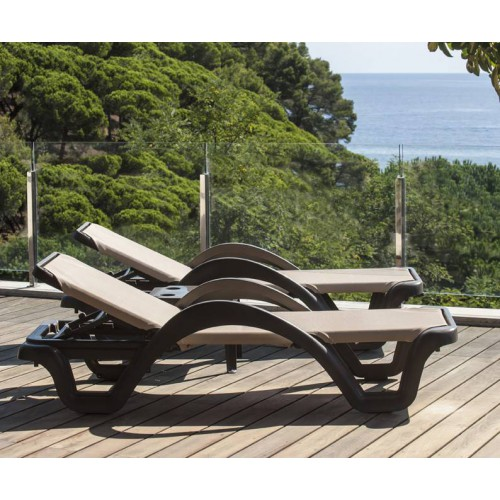 Carmen Prestige Sunlounger by Balliu - Bronze structure and natural seat