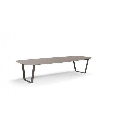 Rectangular outdoor dining table Air by Manutti - Lava frame, top quartz ceramic, 340 cm