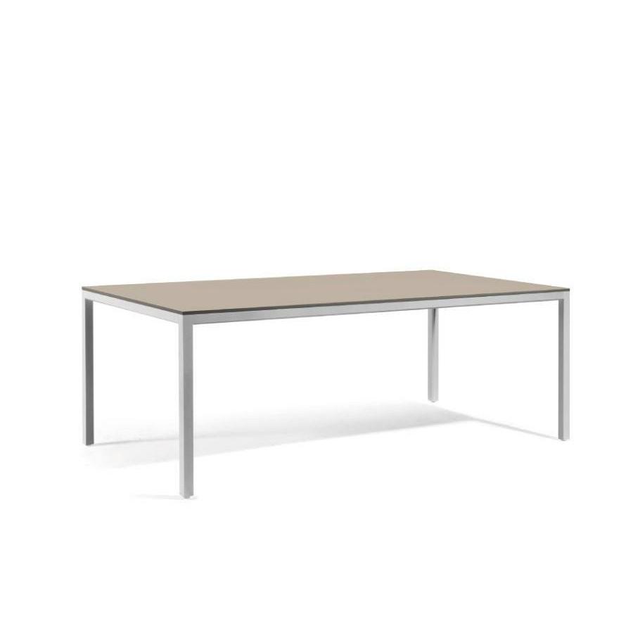 Rectangular outdoor dining table Quarto by Manutti - Shingle frame, stone grey Trespa top