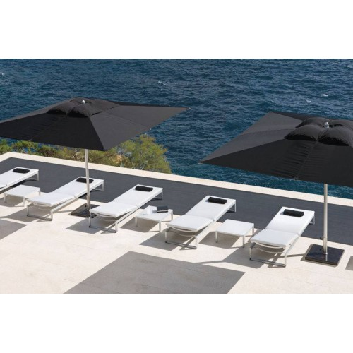 Square outdoor lounge table Liner by Manutti