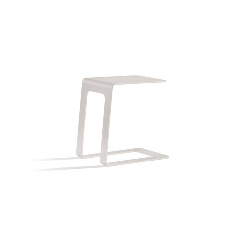 Opened outdoor side table by Manutti - Shingle