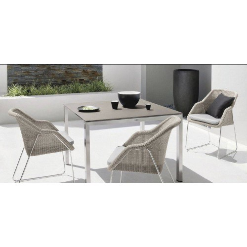 Square outdoor dining table Trento by Manutti