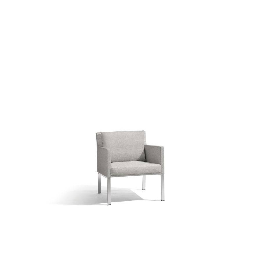 Outdoor armchair Liner by Manutti - Anodised aluminium frame, Lotus smokey seat