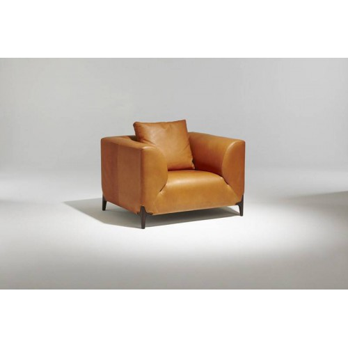 Model Montaigne Armchair - Burov
