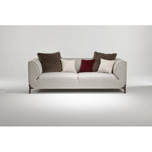 Model Montaigne Sofa - Burov