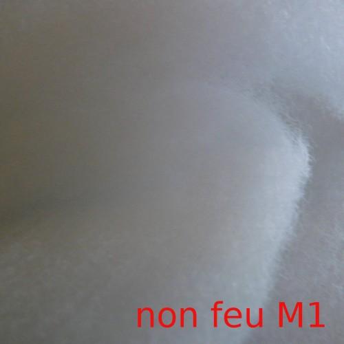 Rouleau de 95 mètres de ouate polyester non feu M1 largeur 160 cm épaisseur 1 cm (10mm)